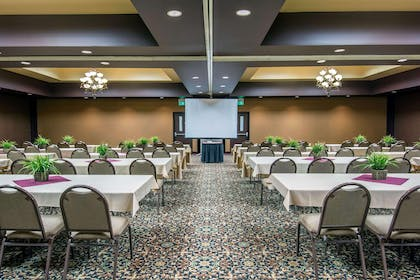 Conference center | Quality Inn Conference Center