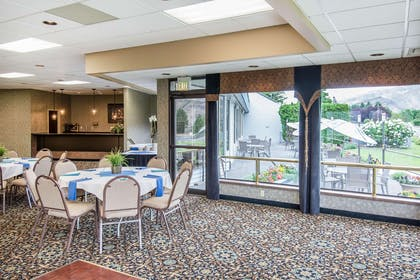 Banquet room | Quality Inn Conference Center