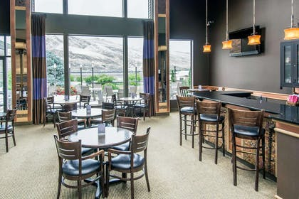 Enjoy the on-site bar | Quality Inn Conference Center