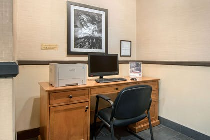 Business center | Comfort Suites