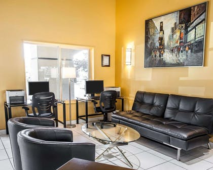 Spacious lobby with sitting area | Quality Inn Grand Suites Bellingham