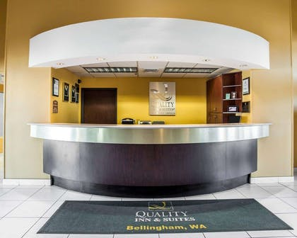 Front desk with friendly staff | Quality Inn Grand Suites Bellingham