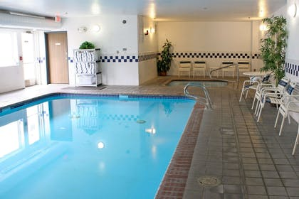 Indoor pool with hot tub | Comfort Inn Central University South
