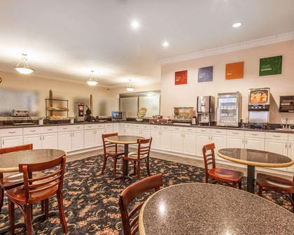 Enjoy breakfast in this seating area | Comfort Inn Conference Center Tumwater - Olympia