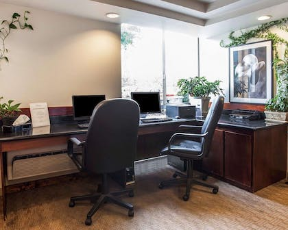 Business center   Quality Inn and Suites Everett