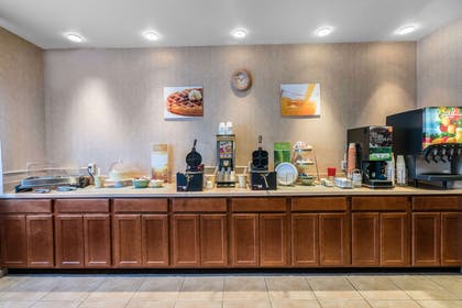 Breakfast counter | Quality Inn & Suites at Olympic National Park