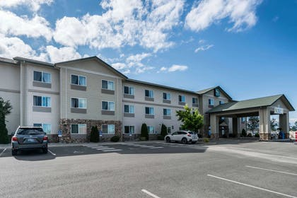 Hotel exterior | Quality Inn & Suites at Olympic National Park
