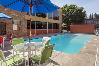 Relax by the pool | Quality Inn Downtown 4th Avenue