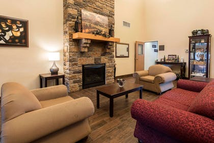 Spacious lobby with sitting area | Comfort Inn And Suites Walla Walla