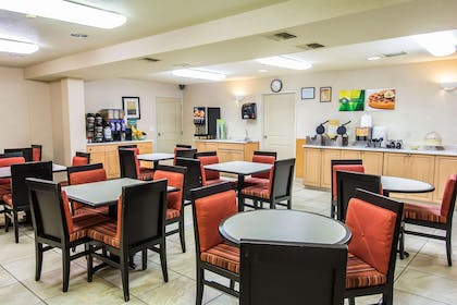 Enjoy breakfast in this seating area | Quality Inn Kennewick