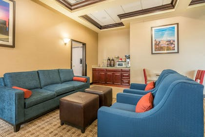 Spacious lobby with sitting area | Comfort Inn & Suites Seattle
