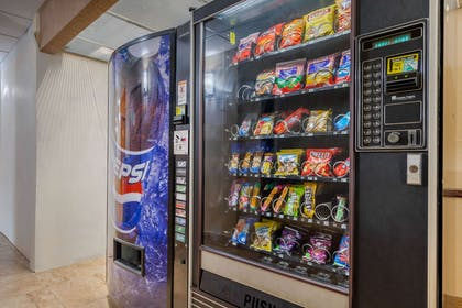 Hotel vending area | Comfort Inn & Suites Bothell - Seattle North