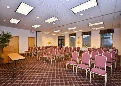 Meeting room   Quality Inn And Suites Vancouver