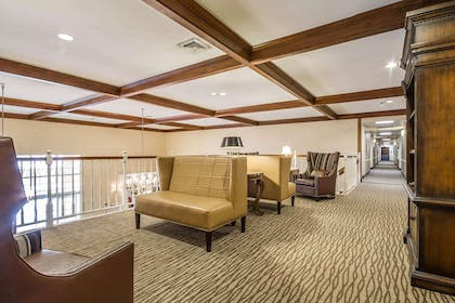 Lobby with sitting area | Comfort Suites Appleton Airport