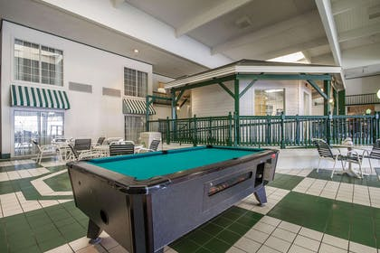 Hotel with pool table | Comfort Suites Appleton Airport