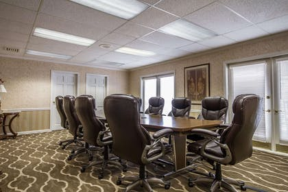 Conference room | Comfort Suites Appleton Airport