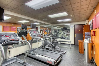 Fitness center | Comfort Suites Madison
