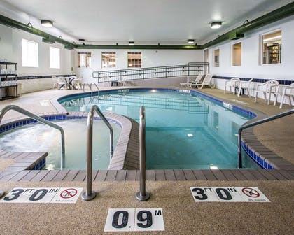 Indoor pool | Sleep Inn & Suites Green Bay South