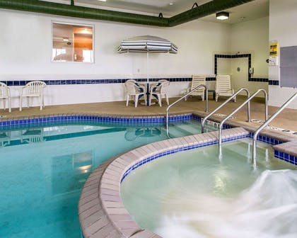 Indoor pool with hot tub | Sleep Inn & Suites Green Bay South