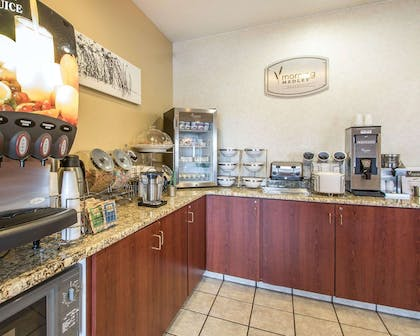 Free breakfast | Sleep Inn & Suites Green Bay South