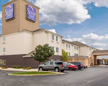 Hotel exterior | Sleep Inn & Suites Green Bay South