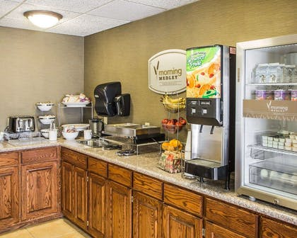 Breakfast counter | Sleep Inn And Suites