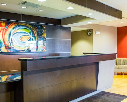 Front desk | Cambria Hotel Madison East