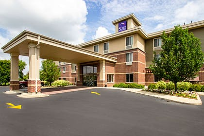 Hotel exterior | Sleep Inn And Suites Madison