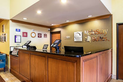 Front desk with friendly staff | Sleep Inn And Suites Madison