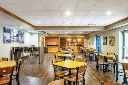Free hot breakfast | Sleep Inn And Suites Madison