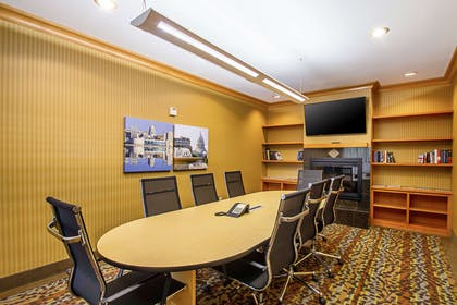 Meeting room | Sleep Inn And Suites Madison