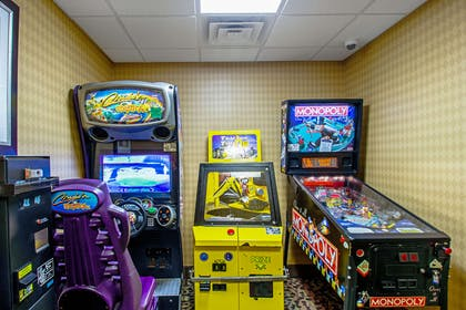 Game room | Sleep Inn And Suites Madison