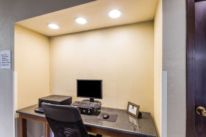 Business center   Quality Suites Milwaukee Airport