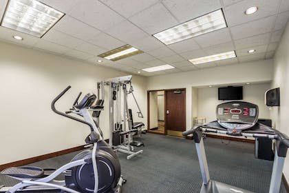 Exercise room   Quality Suites Milwaukee Airport