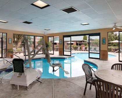 Indoor pool with hot tub | Comfort Suites Parkersburg South