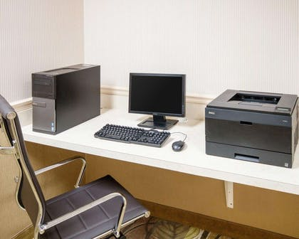 Business center with high-speed Internet access | Comfort Suites Parkersburg South