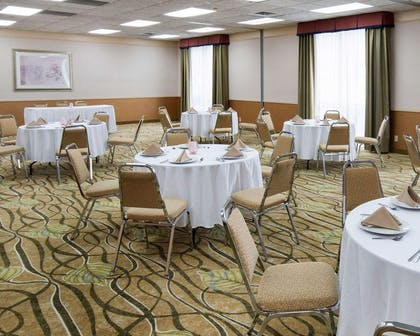 Large space for receptions, parties, anniversaries and business meetings | Comfort Suites Parkersburg South