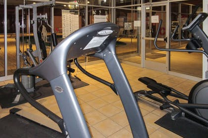 Fitness center | Clarion Hotel