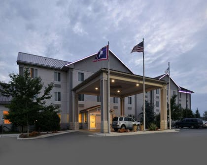 Night view of hotel | Comfort Inn And Suites