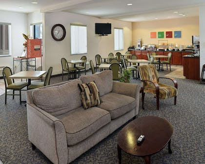 Lobby with sitting area | Comfort Inn And Suites