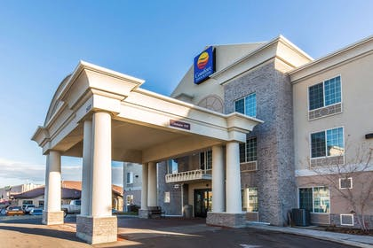 Hotel Entrance | Comfort Inn And Suites Rock Springs
