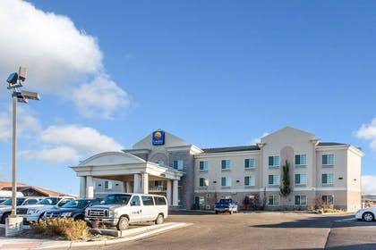 Hotel near popular attractions | Comfort Inn And Suites Rock Springs