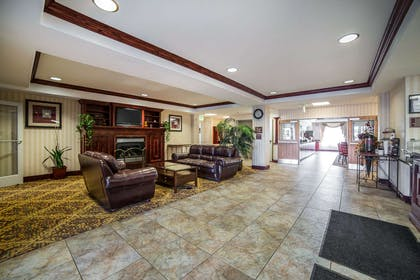 Spacious lobby with sitting area | Comfort Inn And Suites Rock Springs