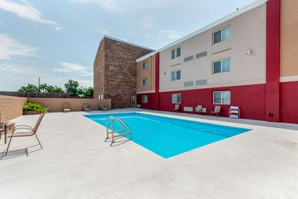 Outdoor pool   Quality Suites Airport