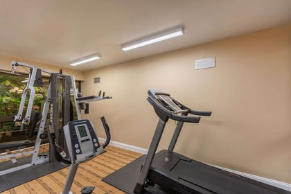 Fitness center   Quality Suites Airport