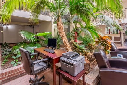 Business center   Quality Suites Airport