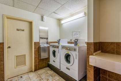 Guest laundry facilities   Quality Suites Airport