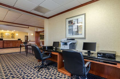 Hotel business center | Comfort Suites Pratt
