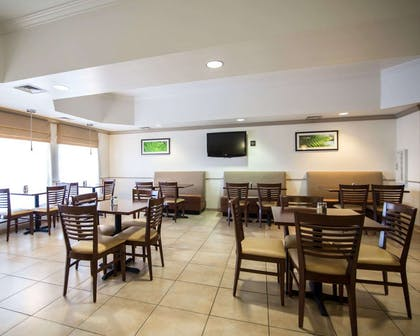 Enjoy breakfast in this seating area | Sleep Inn And Suites Colby