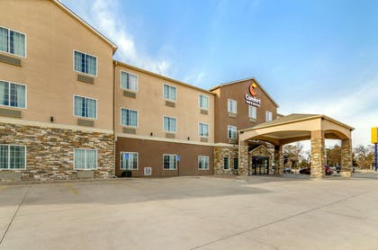 Hotel exterior   Comfort Inn And Suites